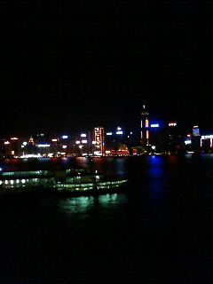香港島の夜景をみて